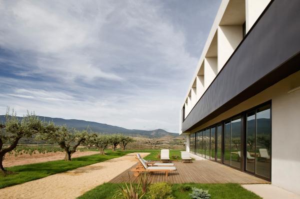 HOTEL-Finca-de-los-Arandinos-Entrena-La-Rioja-Javier-Arizcuren-David-Delfin (19)