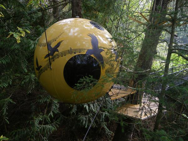 Free-Spirit-Spheres-Qualicum-Beach-BC-Canada (18)