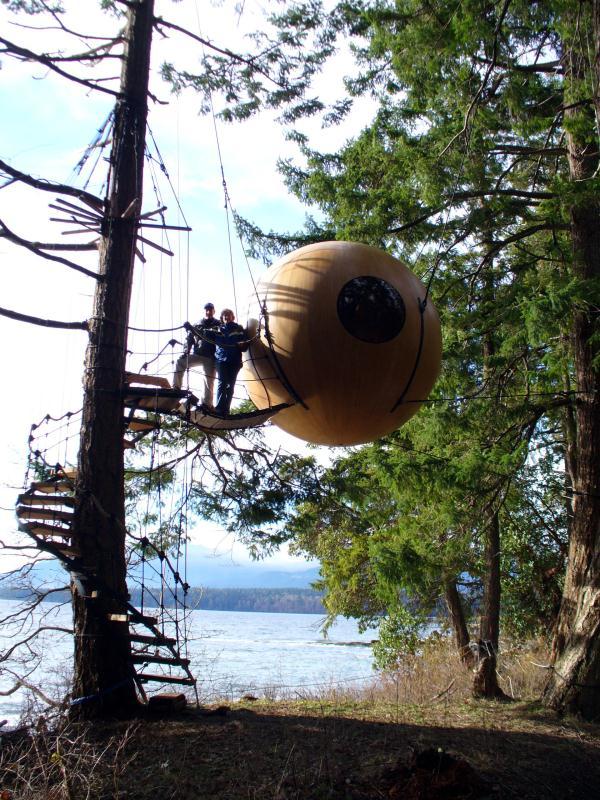 Free-Spirit-Spheres-Qualicum-Beach-BC-Canada (22)