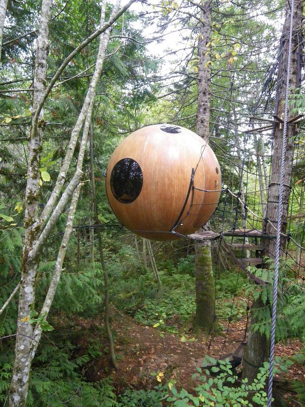 Free-Spirit-Spheres-Qualicum-Beach-BC-Canada (5)