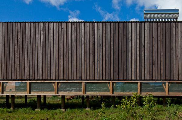 Cabanas-Morerava-Hanga-Roa-Isla-de-Pascua-Chile-AATA Arquitectos (15)