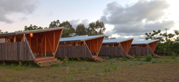 Cabanas-Morerava-Hanga-Roa-Isla-de-Pascua-Chile-AATA Arquitectos (3)