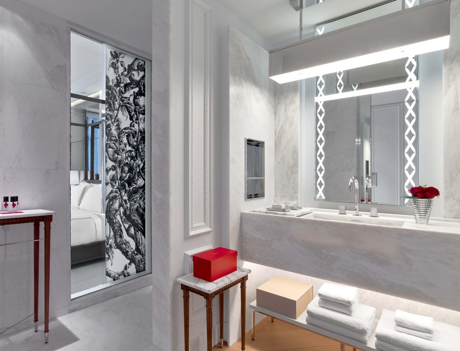 Baccarat Hotel & Residences New York_Grand Classic King